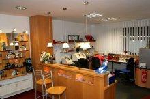 Die einsehbare Werkstatt bei Ameloh Optik